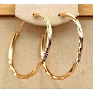 *NEW 18K Gold 1.5 Wide Hoop Round Earrings
